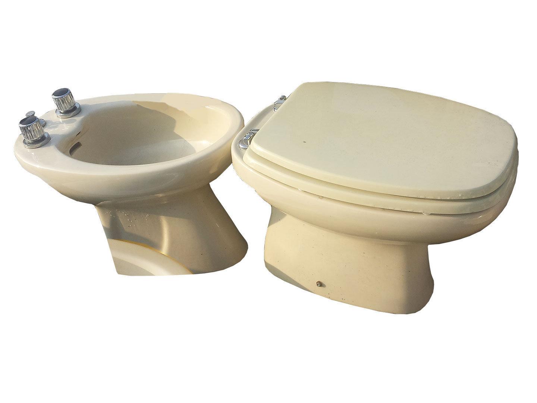 Sanitari b mercatino solidale dell 39 usato for Produttori arredo bagno